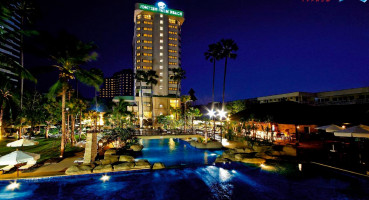 Отель Jomtien Palm Beach 4*